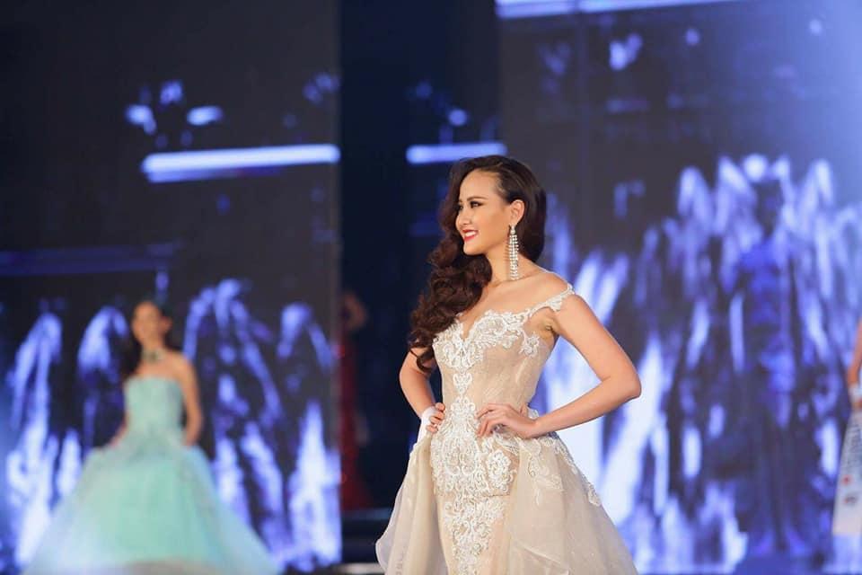Đi thi trong âm thầm, Khánh Ngân xuất sắc đăng quang Hoa hậu Hoàn cầu 2017-8