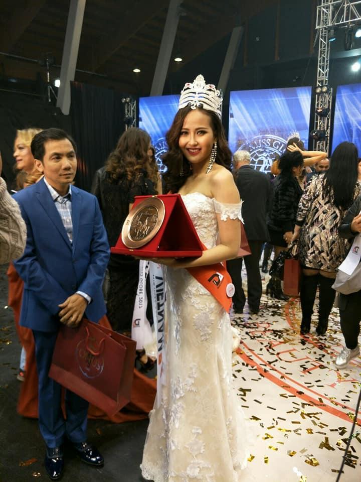 Đi thi trong âm thầm, Khánh Ngân xuất sắc đăng quang Hoa hậu Hoàn cầu 2017-9