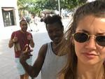 Con gái nước ngoài xử lý thế nào khi gặp kẻ biến thái giữa phố?