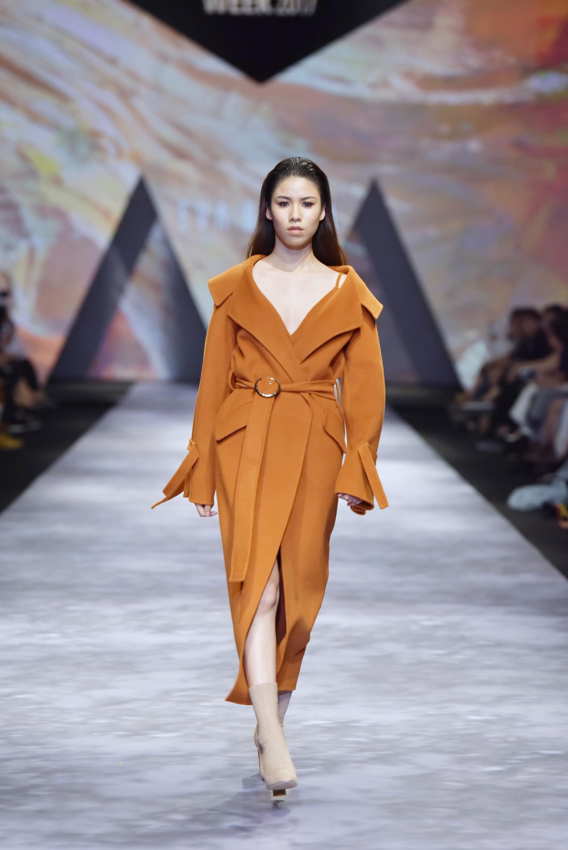 Đêm cuối Vietnam International Fashion Week thất thủ vì quá đông-9