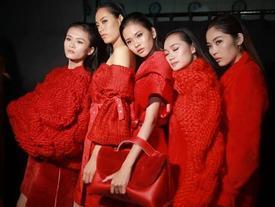 Đêm cuối Vietnam International Fashion Week 'thất thủ' vì quá đông