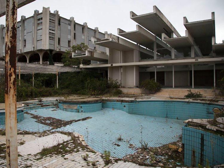 12 khách sạn đồ sộ bỏ hoang trên thế giới-2