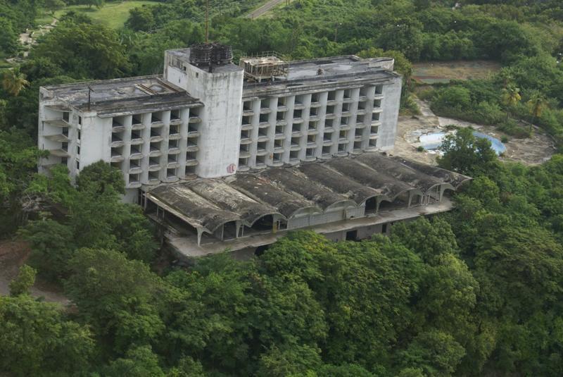 12 khách sạn đồ sộ bỏ hoang trên thế giới-7