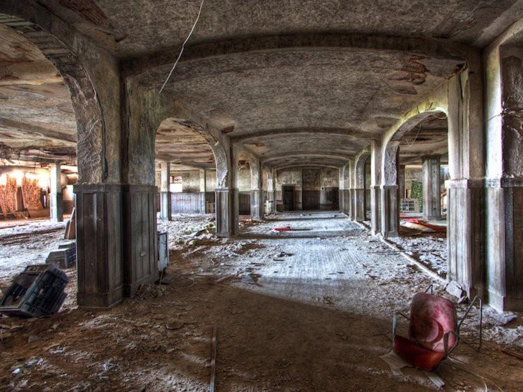 12 khách sạn đồ sộ bỏ hoang trên thế giới-12