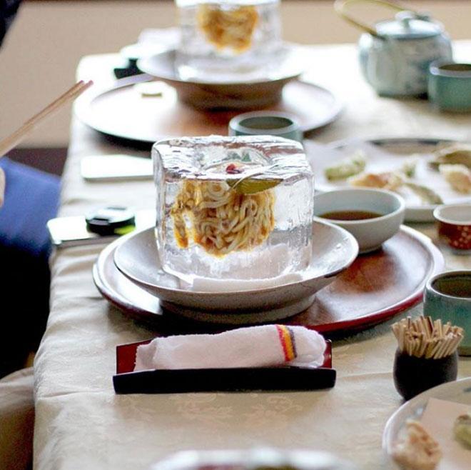 Lạ chưa từng có: Món mì trong băng ngon tê răng ở Nhật-5