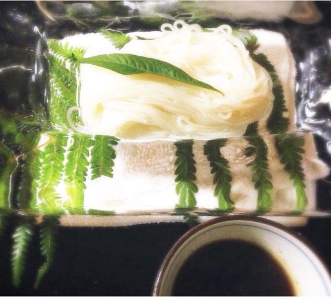 Lạ chưa từng có: Món mì trong băng ngon tê răng ở Nhật-6