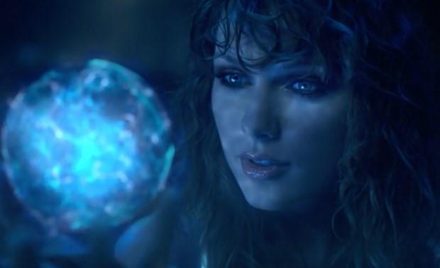 Chưa ra mắt, album của Taylor Swift vẫn đắt khách nhất năm-2