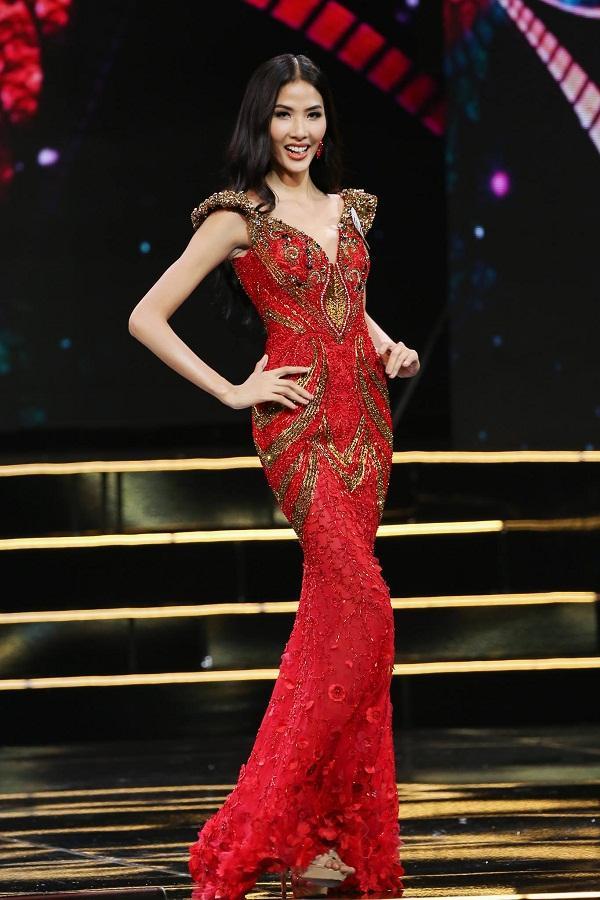 Hoàng Thùy và Mâu thủy tỏa sáng rực rỡ đêm bán kết Hoa hậu Hoàn vũ Việt Nam 2017-2