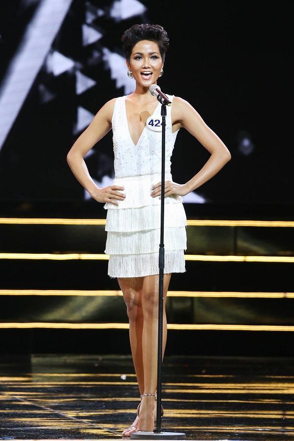 Hoàng Thùy và Mâu thủy tỏa sáng rực rỡ đêm bán kết Hoa hậu Hoàn vũ Việt Nam 2017-3