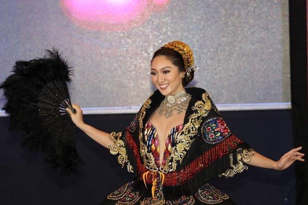 Tân Hoa hậu Trái đất người Philippines bị chê già và kém sắc-3