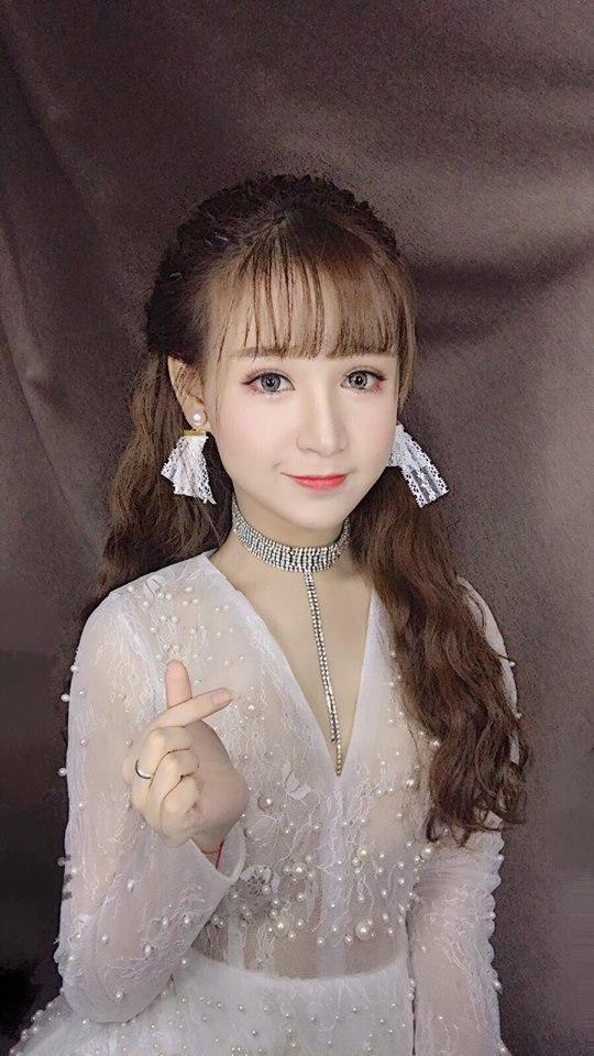 Hot girl - hot boy Việt 5/11: Huyền Baby tự tin khoe vòng 1 nói không với dao kéo-10