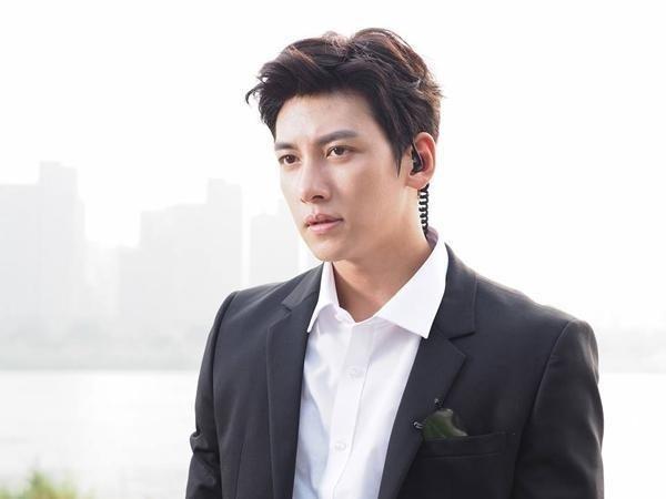 Song Joong Ki đi lấy vợ, Hậu duệ mặt trời phần 2: Bạn muốn ai vào vai nam chính?-4