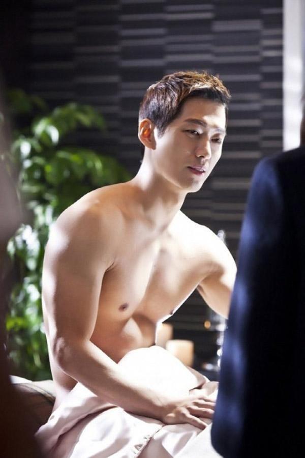 Song Joong Ki đi lấy vợ, Hậu duệ mặt trời phần 2: Bạn muốn ai vào vai nam chính?-6