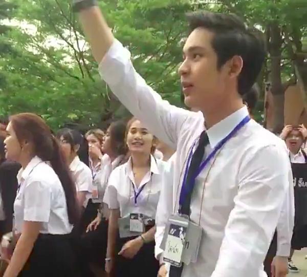 Chỉ 43s nhún nhảy trong giờ sinh hoạt, chàng trai Thái khiến MXH dậy sóng vì quá đáng yêu-4