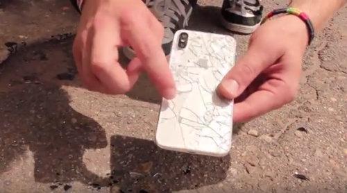 TRANH CÃI: Thả rơi iPhone X từ 6 mét vỡ tan tành-2