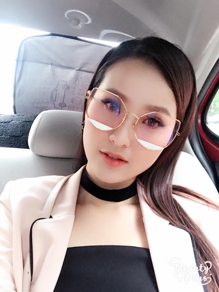 Ngắm nhan sắc và gu thời trang đời thường của Khánh Ngân - tân Hoa hậu Hoàn cầu 2017-6