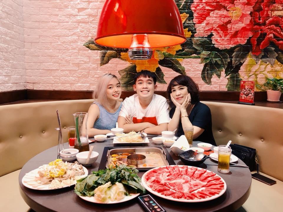 Hot girl - hot boy Việt 6/11: Phương Ly khiến fan bật cười với màn ăn mừng MV triệu view không giống ai-1