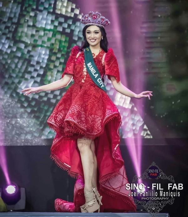 Chẳng những già và kém sắc, gu thời trang của Hoa hậu Trái đất 2017 cũng khiến người ta giật mình-1