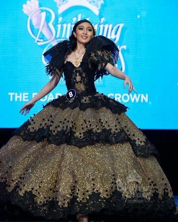 Chẳng những già và kém sắc, gu thời trang của Hoa hậu Trái đất 2017 cũng khiến người ta giật mình-2