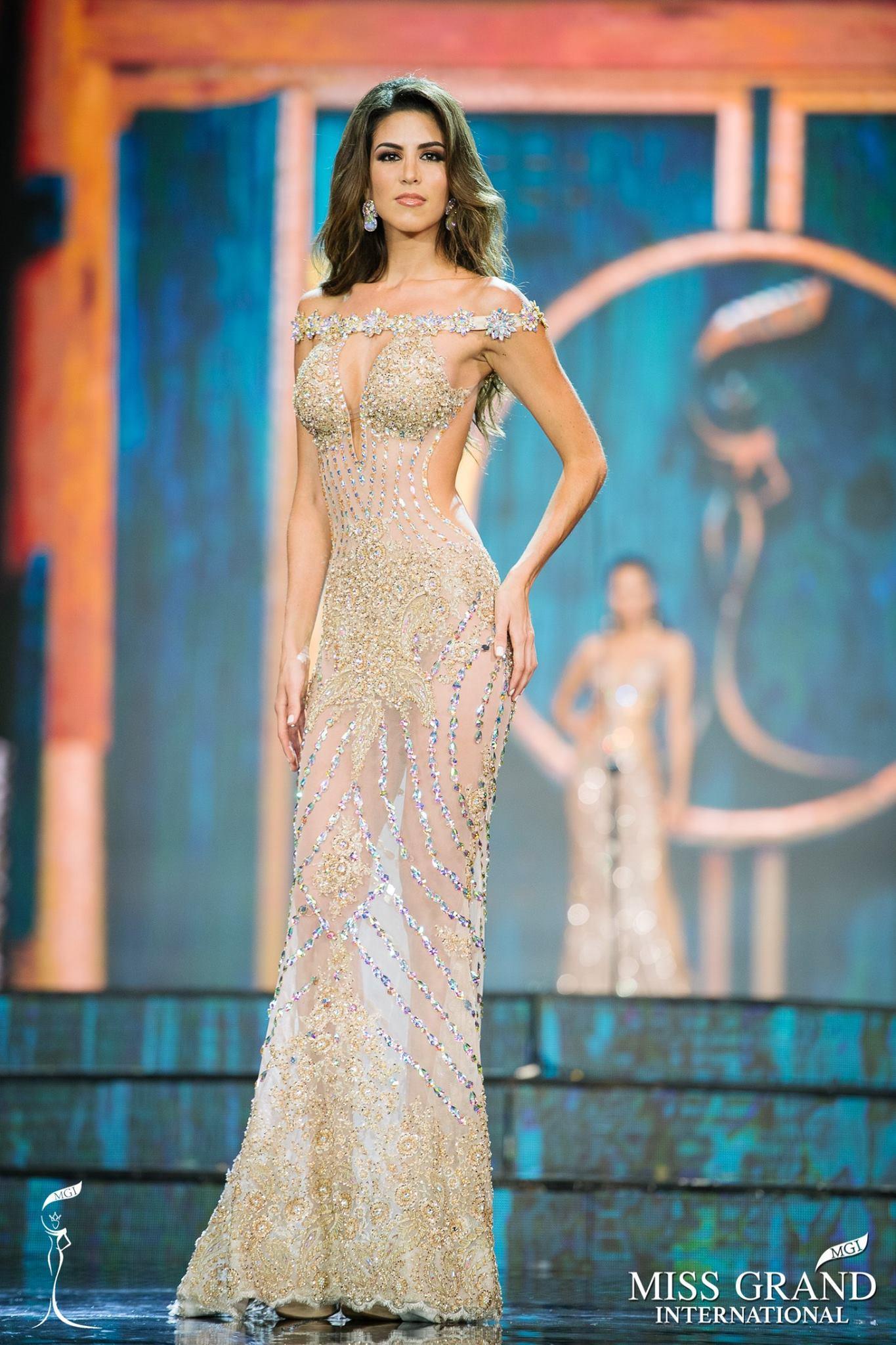 Cán cân lệch của 2 nữ hoàng sắc đẹp thế giới: Người tuyệt tác, kẻ thảm họa-4