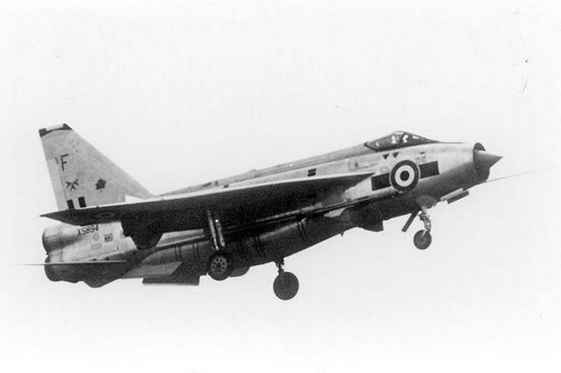 Nghi vấn UFO gây tai nạn cho máy bay quân sự Mỹ 50 năm trước gây tranh cãi-1