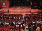 Hàng ngàn bạn trẻ xếp hàng từ sớm chờ buổi trò chuyện với tỷ phú Jack Ma tại Hà Nội