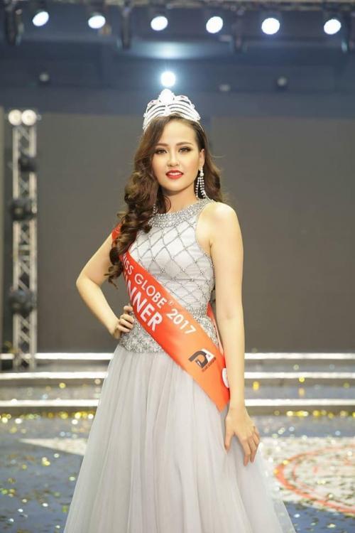 Hoa hậu Khánh Ngân không thua kém khi diện lại trang phục của đàn chị Đặng Thu Thảo-1