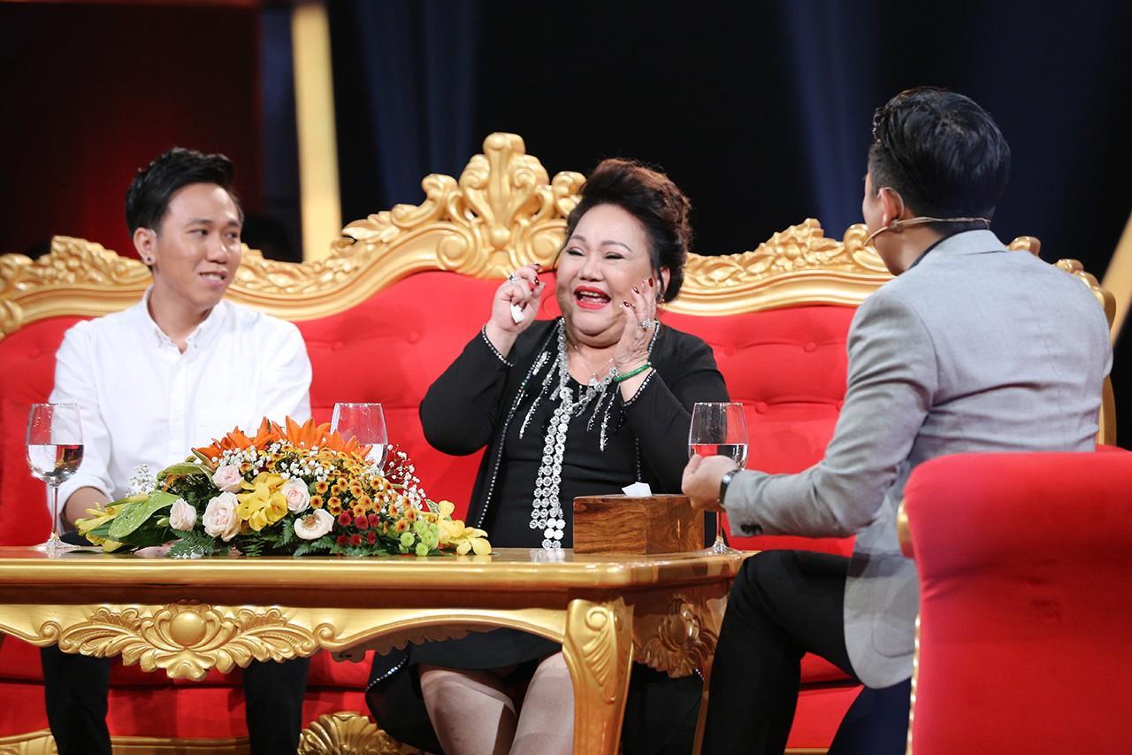 Bị Trấn Thành dỏm lừa thẻ điện thoại tới 4 lần, nghệ sĩ Ngọc Giàu suýt từ mặt nam MC-1