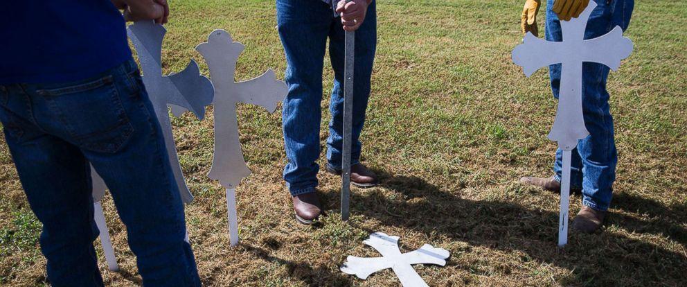 Xả súng ở Texas: Xót xa 8 người thân trong một gia đình thiệt mạng-1