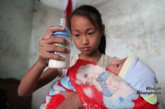Cảm động cảnh chị 10 tuổi chăm sóc đàn em trong gia đình mẹ 29 tuổi sinh 8 con-2
