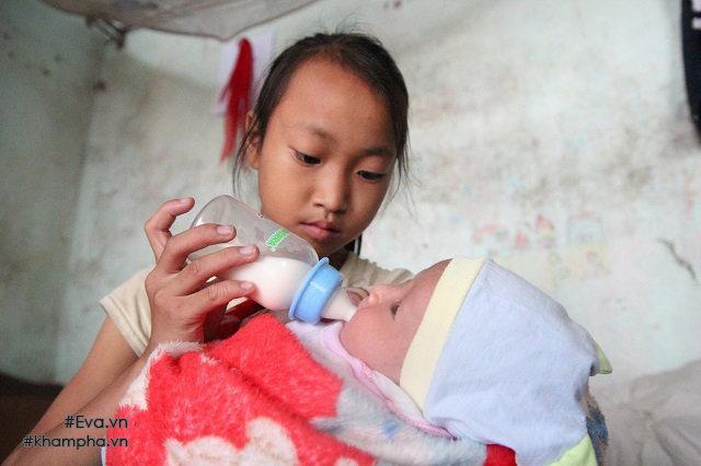 Cảm động cảnh chị 10 tuổi chăm sóc đàn em trong gia đình mẹ 29 tuổi sinh 8 con-3