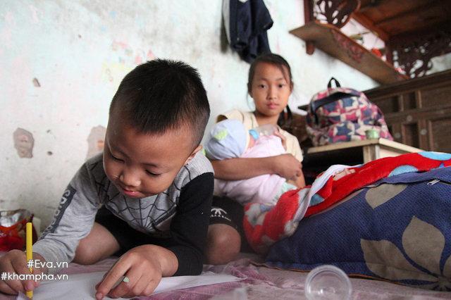 Cảm động cảnh chị 10 tuổi chăm sóc đàn em trong gia đình mẹ 29 tuổi sinh 8 con-5