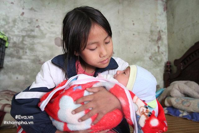 Cảm động cảnh chị 10 tuổi chăm sóc đàn em trong gia đình mẹ 29 tuổi sinh 8 con-6