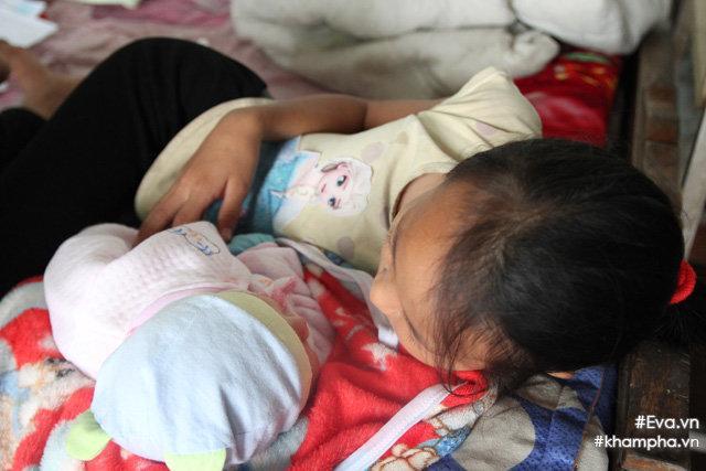 Cảm động cảnh chị 10 tuổi chăm sóc đàn em trong gia đình mẹ 29 tuổi sinh 8 con-19