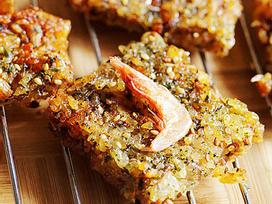 Còn dư cơm nguội, bạn hãy làm ngay món cơm nướng siêu ngon này nhé!