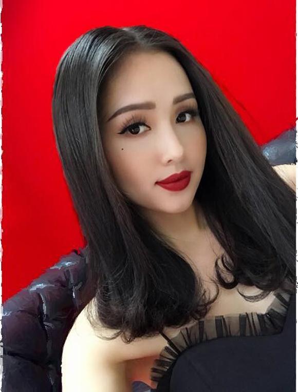 Hot girl - hot boy Việt 8/11: Ba gia đình hot nhất mạng xã hội khoe núi hàng hiệu vừa sắm-4