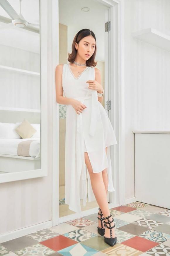 Hot girl - hot boy Việt 8/11: Ba gia đình hot nhất mạng xã hội khoe núi hàng hiệu vừa sắm-5