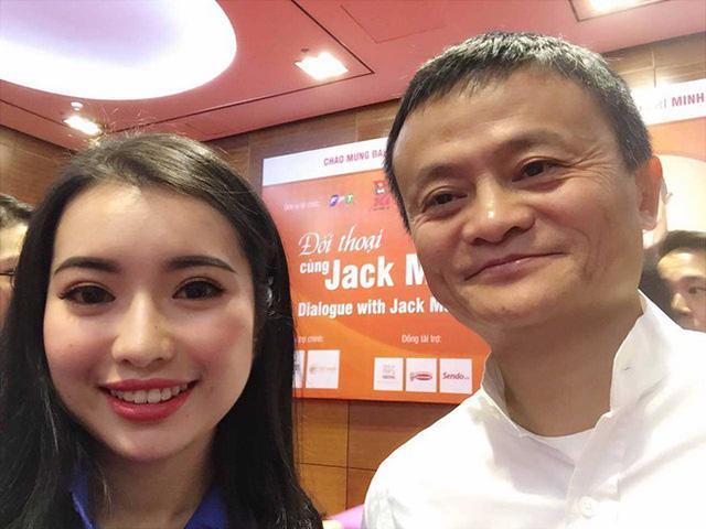 Tỷ phú Jack Ma đã nói riêng điều gì với Hoa khôi Ngoại giao Ngô Khánh Linh?-2