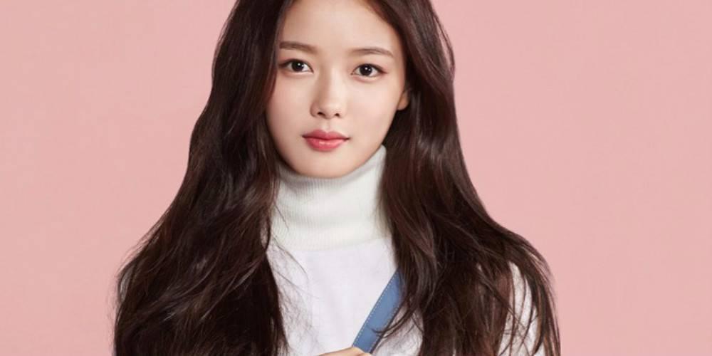 Sao Hàn 8/11: Nữ thần fancam Hani tiết lộ bị chảy máu đầu do tẩy tóc quá nhiều-3