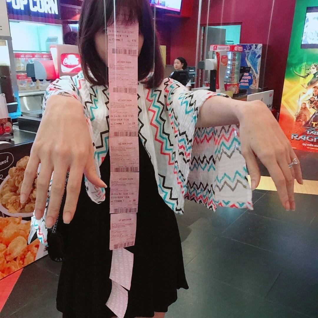 Tin sao Việt 8/11: Bất ngờ với bức ảnh chụp lén nhan sắc Á hậu Huyền My-2