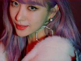 Hani (EXID) tẩy tóc đến chảy máu da đầu cho màn lột xác trong MV mới