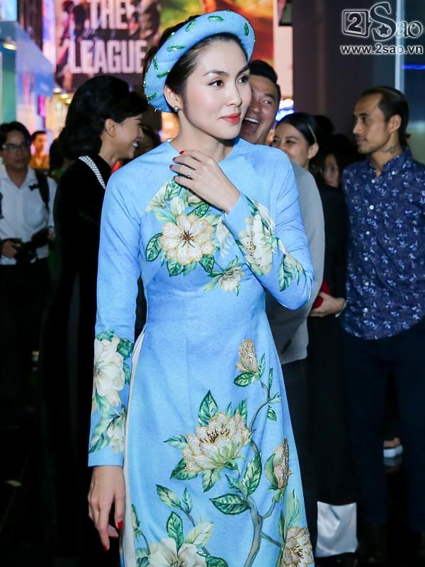 Dàn mỹ nhân Việt rực rỡ với áo dài họa tiết tham dự ra mắt phim Cô Ba Sài Gòn-9