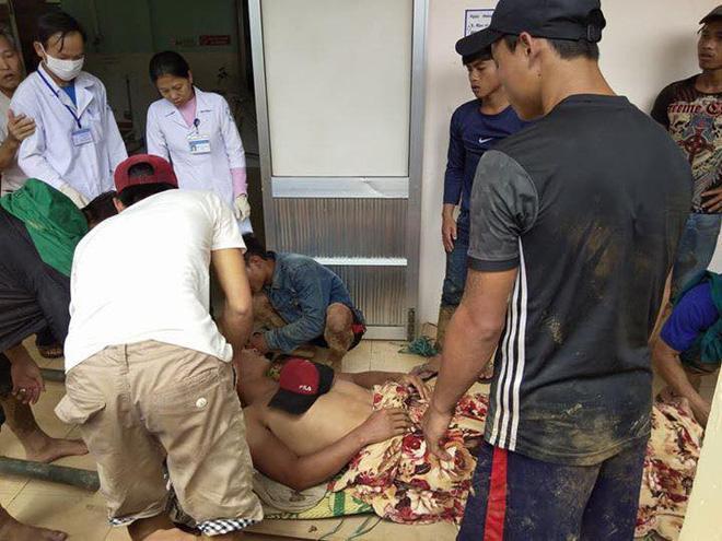 Thảm kịch gia đình sau vụ sạt lở đất ở Quảng Nam: Chồng gãy hai chân ôm con gái đau đớn bên thi thể vợ-1