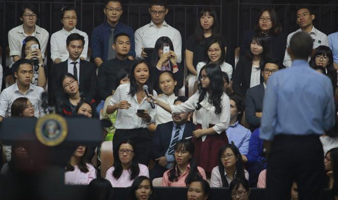 Những cô gái Việt bỗng dưng nổi tiếng vì được gặp gỡ Jack Ma, Obama-5