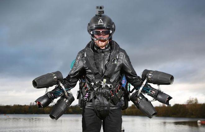 Clip: Iron Man bay ngoài đời thực, xác lập kỷ lục thế giới-2