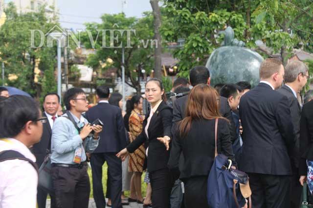 Nữ đặc vụ xinh đẹp của Việt Nam làm lá chắn sống tại APEC-2