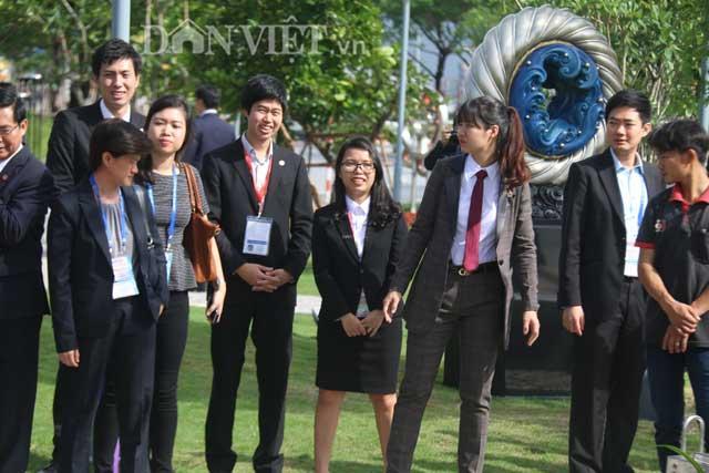 Nữ đặc vụ xinh đẹp của Việt Nam làm lá chắn sống tại APEC-3