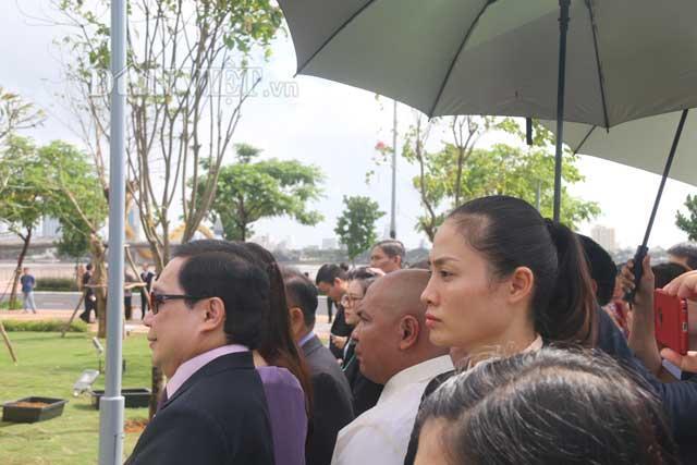 Nữ đặc vụ xinh đẹp của Việt Nam làm lá chắn sống tại APEC-6