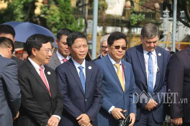 Nữ đặc vụ xinh đẹp của Việt Nam làm lá chắn sống tại APEC-9