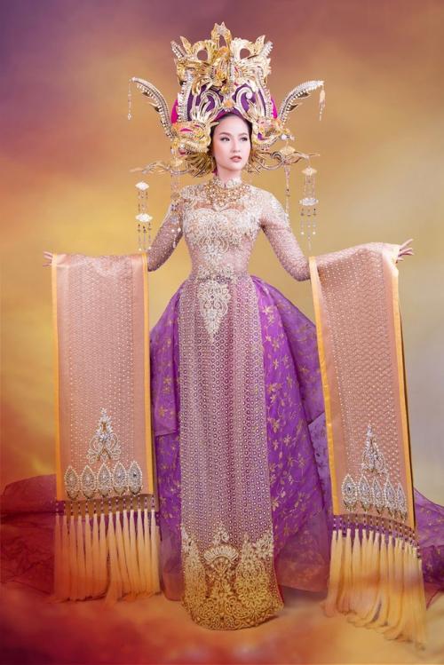 Những bộ áo dài giúp các đại diện Việt làm nên chuyện ở đấu trường nhan sắc quốc tế-2
